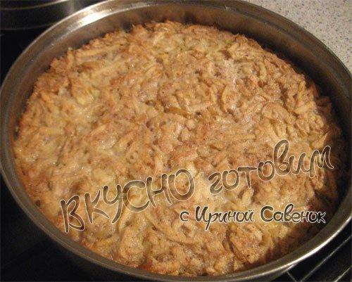 Пирог с яблоками и манкой - шаг 7